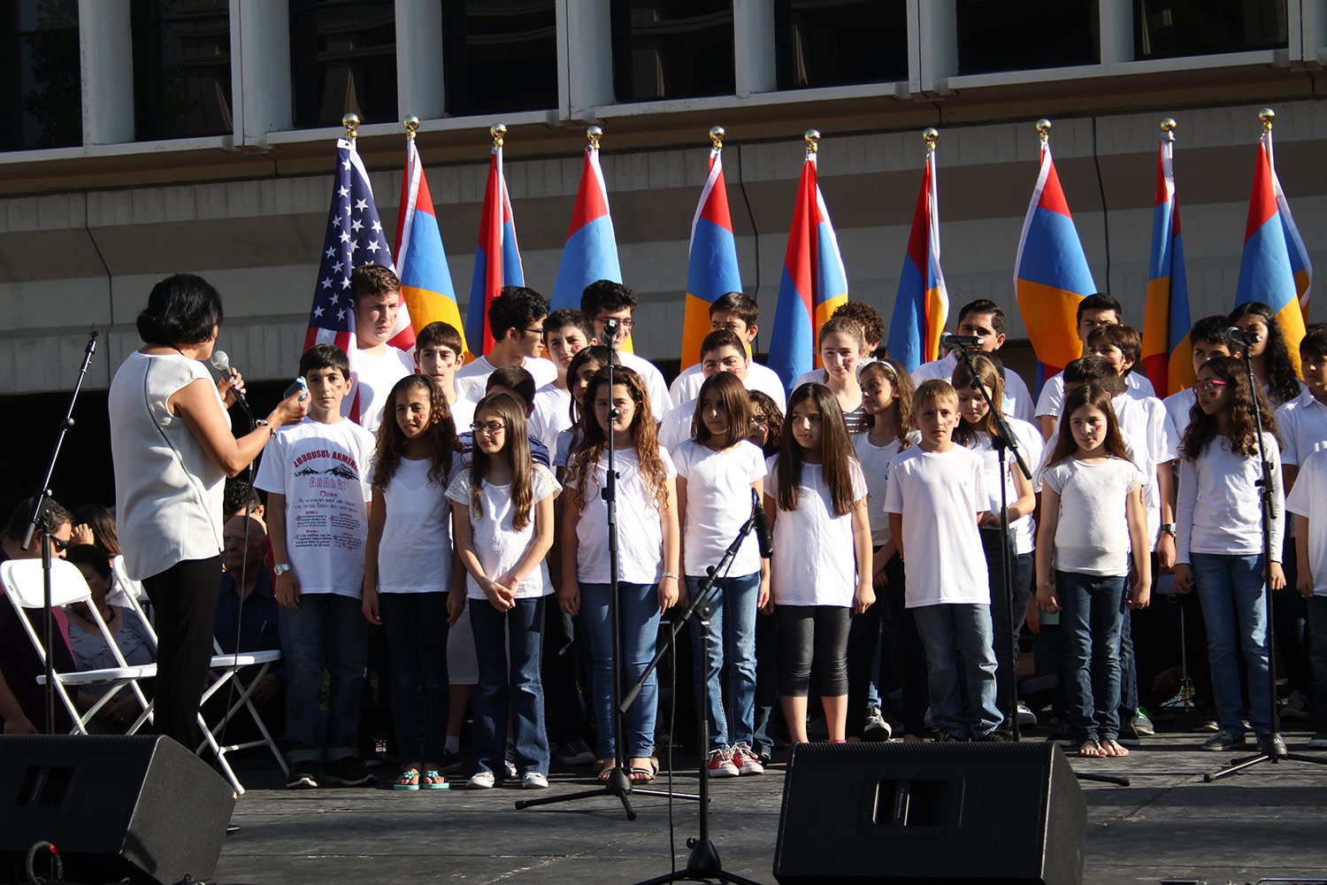 Young Armenians Make a Pledge of Service - Armenian Youth